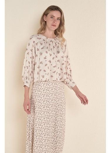 Z Giyim Yakası Pileli Bluz Bej